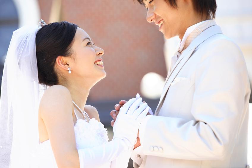 ネットで出会った人と結婚